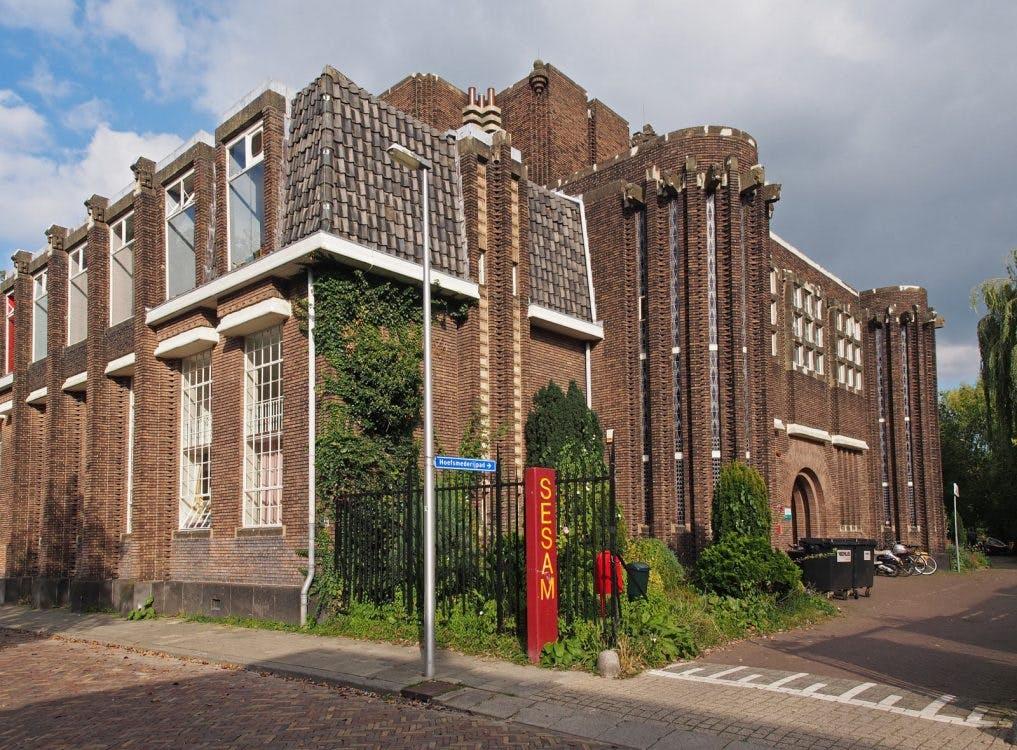 Het Anatomiegebouw: Vergeten 'broertje' van het postkantoor verdient ook goede bestemming
