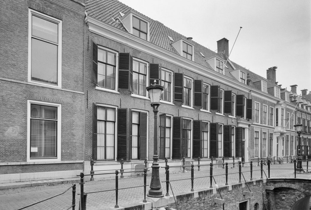 Voorgevel in 1986 (foto T. Scholten, Rijksdienst voor het Cultureel Erfgoed)