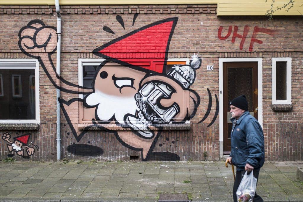 """Fotoserie – Graffiti en asbest in Ondiep: """"Maar die beker gaan we winnen"""""""