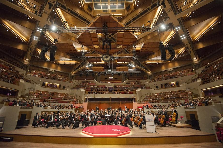 Plafondplaat Grote Zaal TivoliVredenburg naar beneden gevallen: concert verplaatst