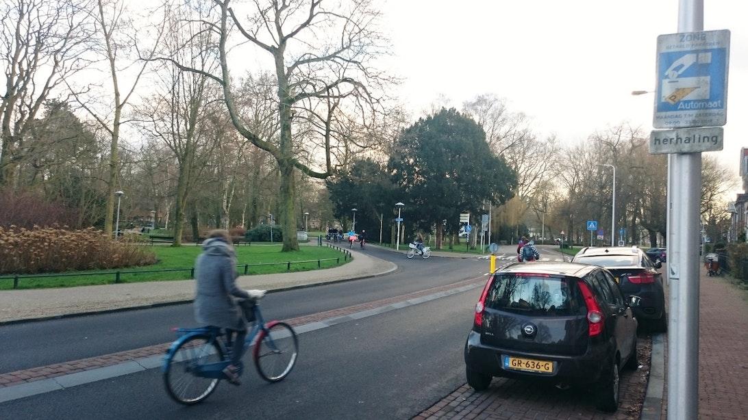 Fietspad Wilhelminapark na herinrichting steeds vaker gebruikt door auto's