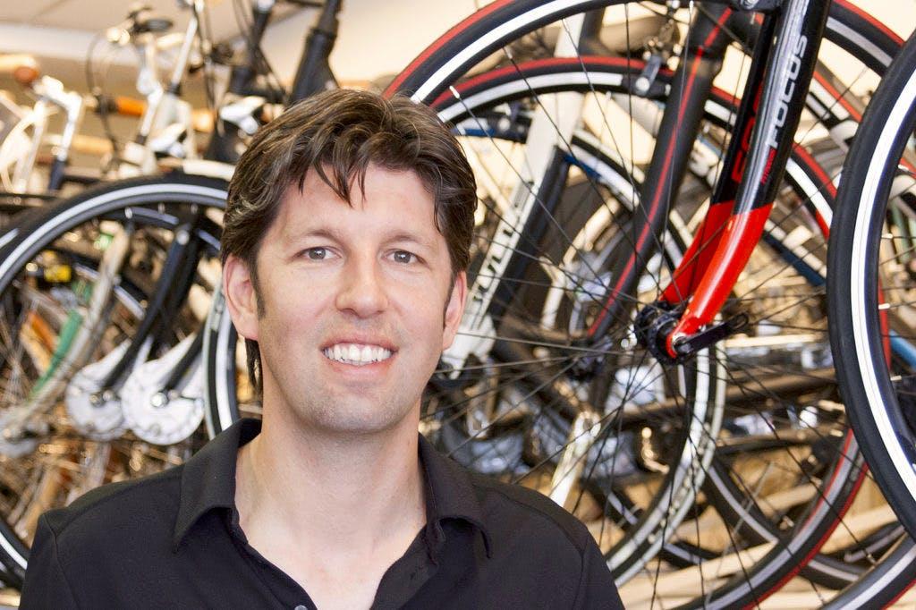 """Op bezoek bij Joris Kok van Kok Fietsen: """"De eerste date met mijn vrouw was samen een stukje fietsen"""""""