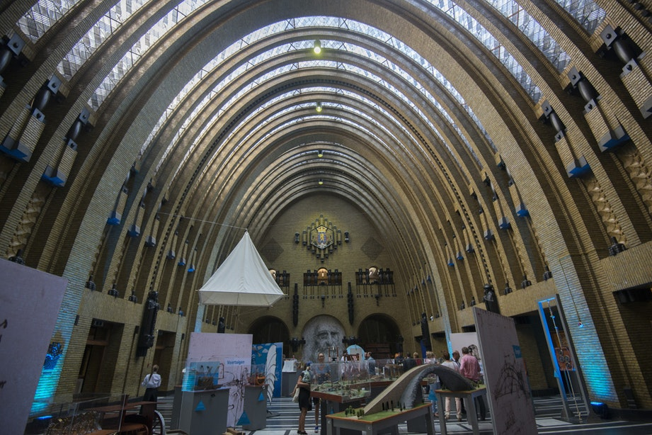 Tentoonstelling Leonardo da Vinci geopend in het voormalig postkanoor Neude
