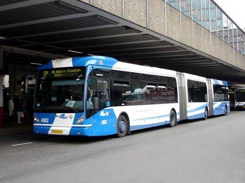 Bus 12 rijdt ook volgend studiejaar gewoon door de stad