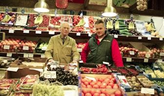 """Op bezoek bij speciaalzaak de Goey-Koot: """"Ik was de eerste in Nederland die kiwi's verkocht."""""""