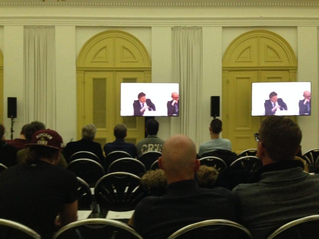 Informatiebijeenkomst over vluchtelingen verloopt rustig; veel vragen over opvang Overvecht