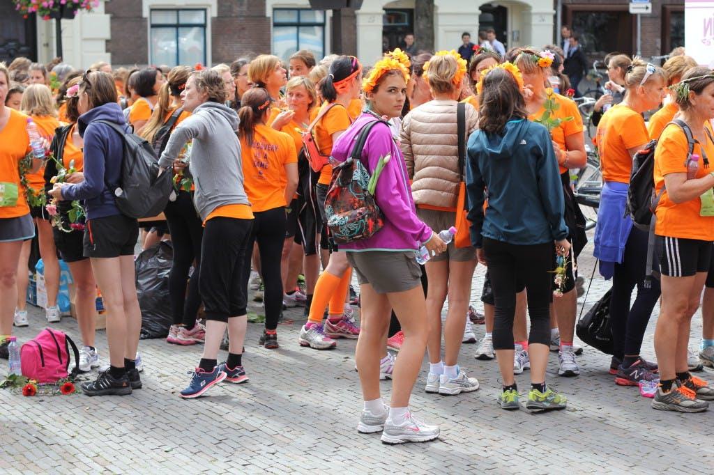 """Honderden Françaises nemen Utrecht over: """"Ik kom terug!"""""""