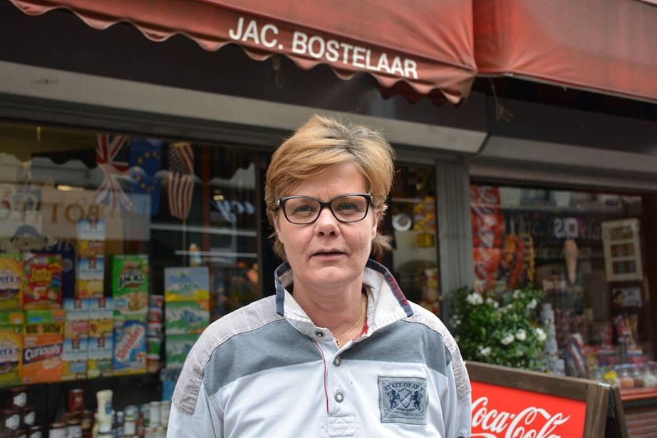 Op bezoek bij Jac Bostelaar op de Steenweg: 'Mijn oudste klant is 99 jaar oud'