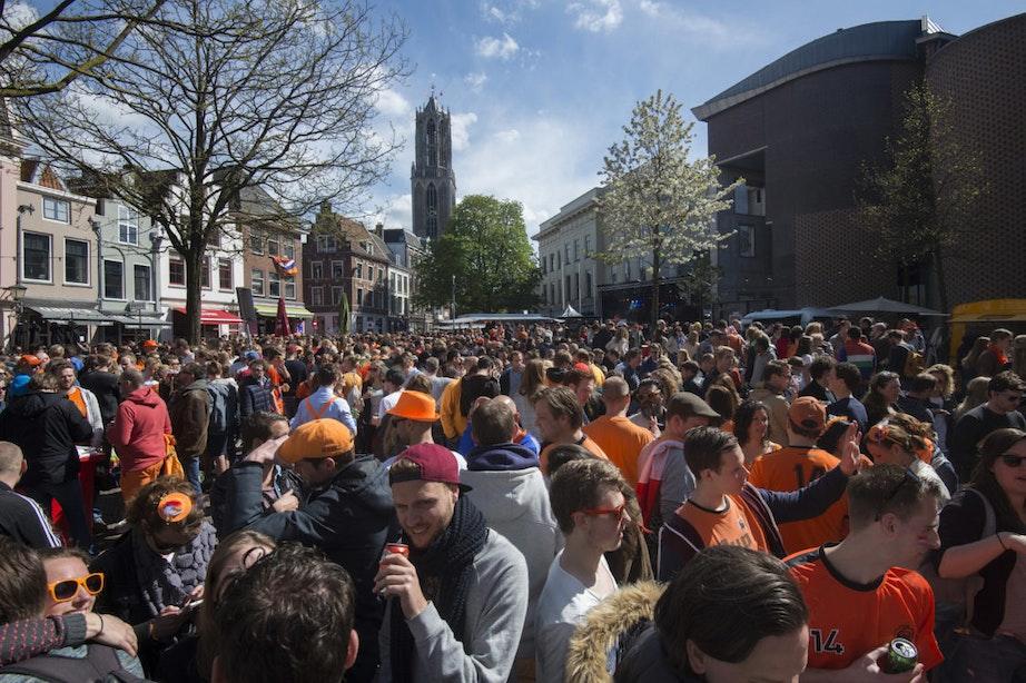 Foto's: 100.000 mensen vieren een zonnige Koningsdag in Utrecht