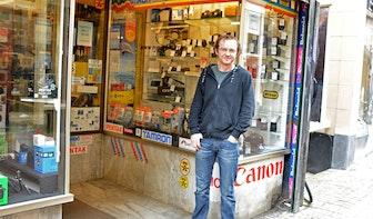Op bezoek bij Edwin De Jong van Foto Patent: 'Ik weet soms wat klanten tien jaar geleden hebben gekocht'
