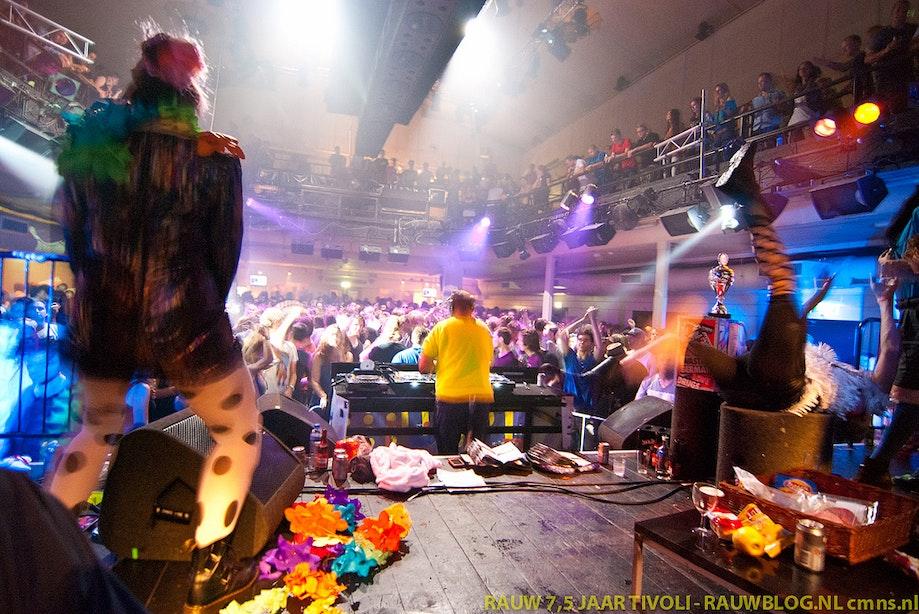 Tien jaar Rauw: 'De punker van de dancewereld'