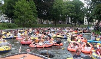 Dit weekend kleurrijk gekkenhuis op de grachten; de Rubberboot Missie is er weer