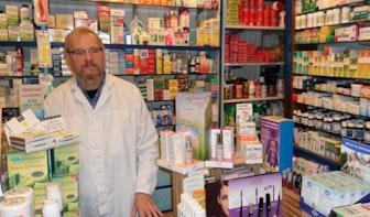 """Op bezoek bij drogisterij Slamat: """"Voor zelfbediening moeten mensen maar naar een keten gaan"""""""