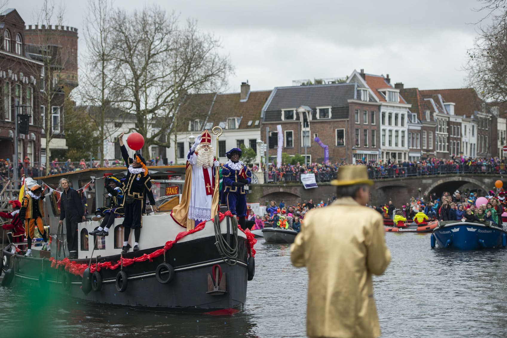 d9703b34ad3 Volgend jaar geen zwarte pieten bij intocht Sinterklaas in Utrecht ...