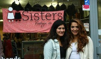 """Op bezoek bij vintagewinkel Sisters:""""We zijn naast zusjes ook beste vriendinnen"""""""