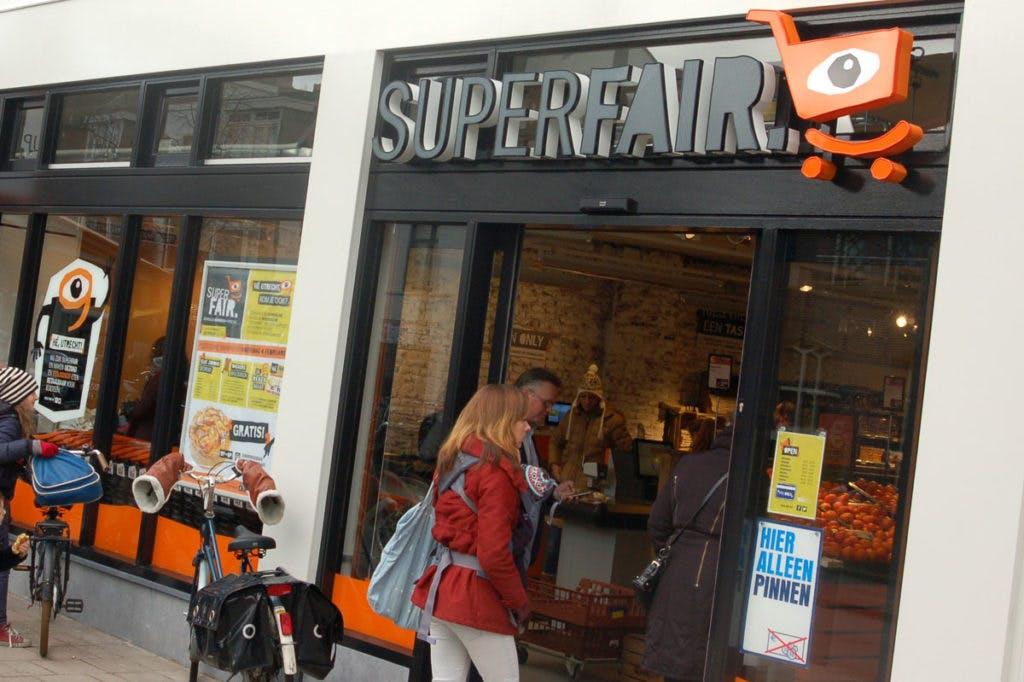 """Op bezoek bij nieuwe biologische Superfair op de Biltstraat: """"We zijn the best of both worlds"""""""