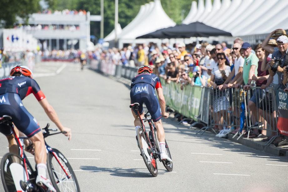 Drukte vanaf de Uithof naar Galgenwaard; Foto's Tour de France Utrecht