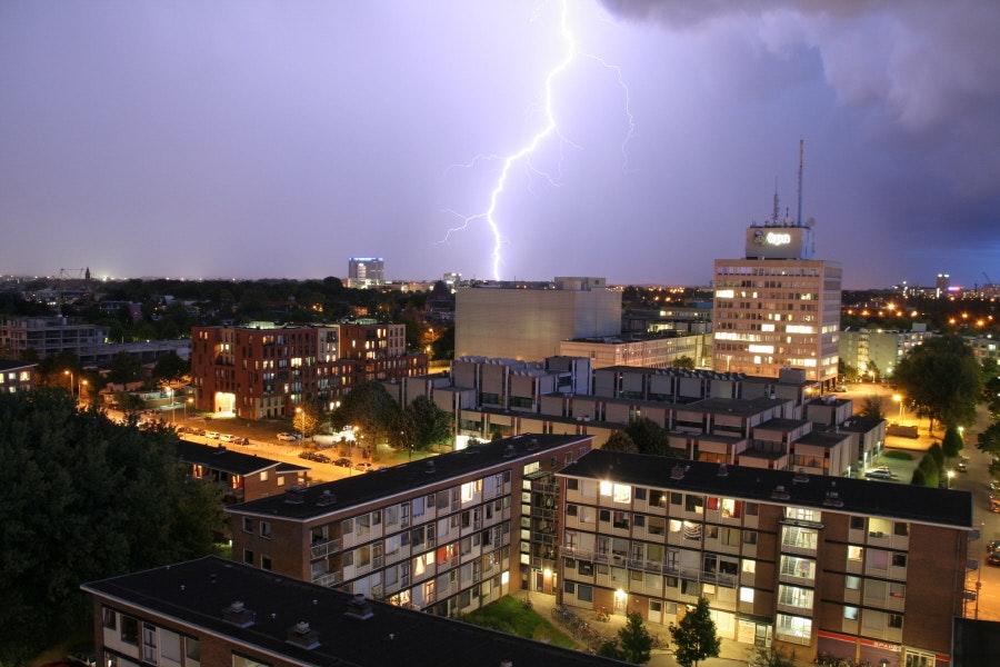 Code geel stevent af op Utrecht: Onweer en hagel