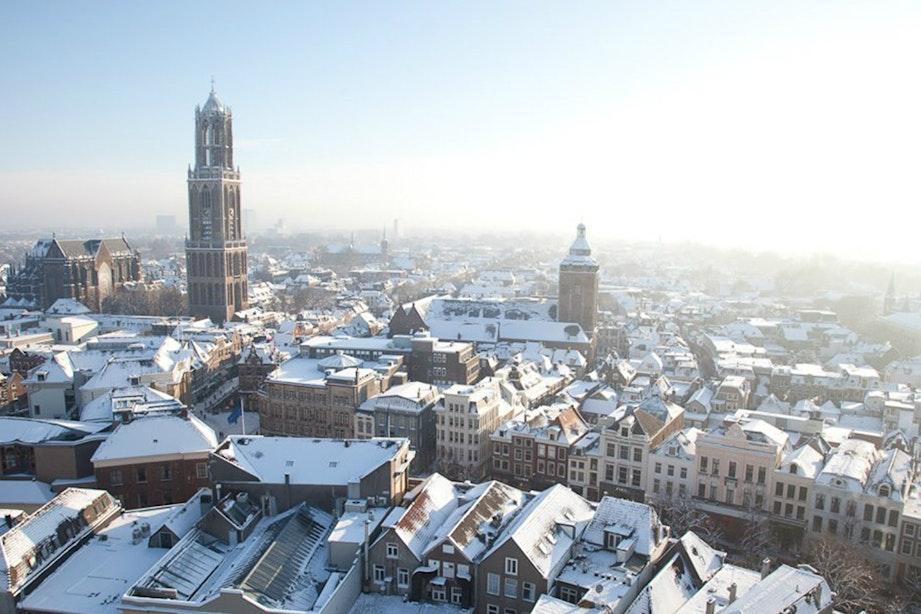Winter in Utrecht: ijsbaan op de Neude