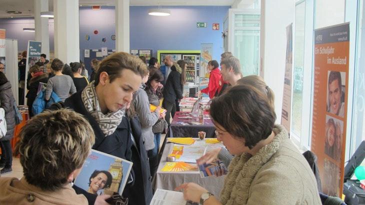 Youth Education & Travel Fair in Utrecht: informatiebeurs over studeren en reizen in het buitenland