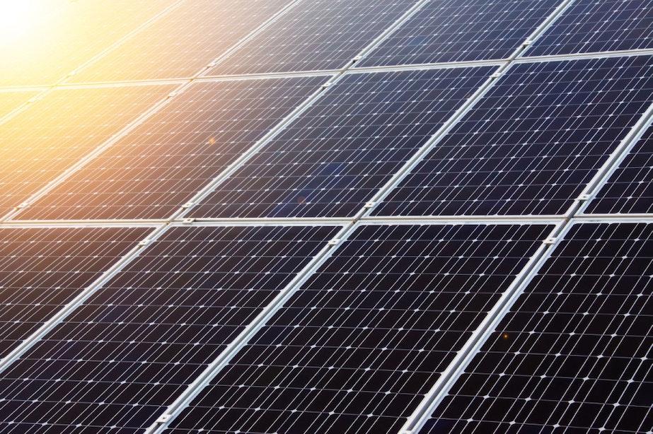 Energiefonds keert eerste subsidies uit: zonne-energie voor bewoners van Lombok
