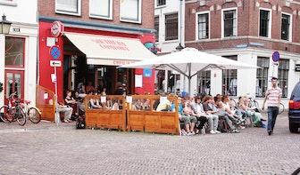 Arrestatieteam houdt training op terras Café de Zaak: politie vertelt alleen niks aan kroegbaas
