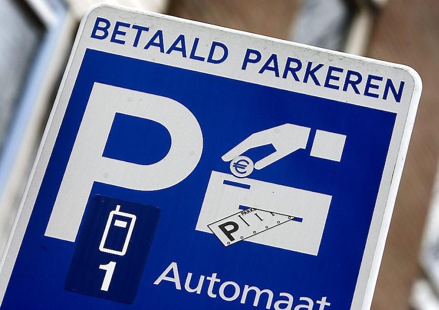 Duizenden handtekeningen tegen betaald parkeren winkelcentrum De Gaard