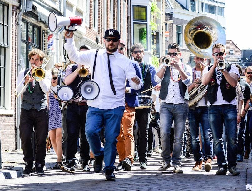 Foto's: nieuw festival Klein New Orleans in Breedstraatbuurt drukbezocht