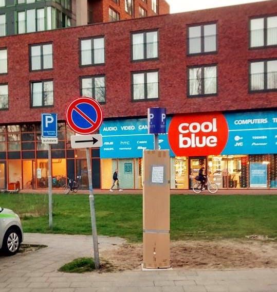 Bewoners City Campus Max pakken uit protest parkeerautomaat in