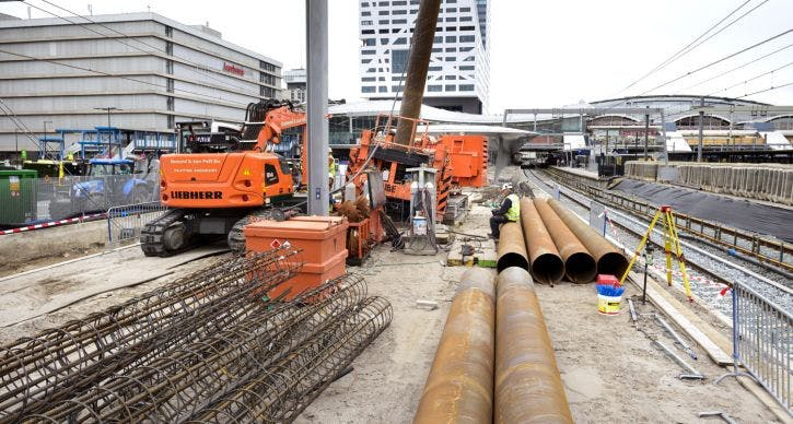 Eerste palen in de grond voor nieuwe Rabobrug