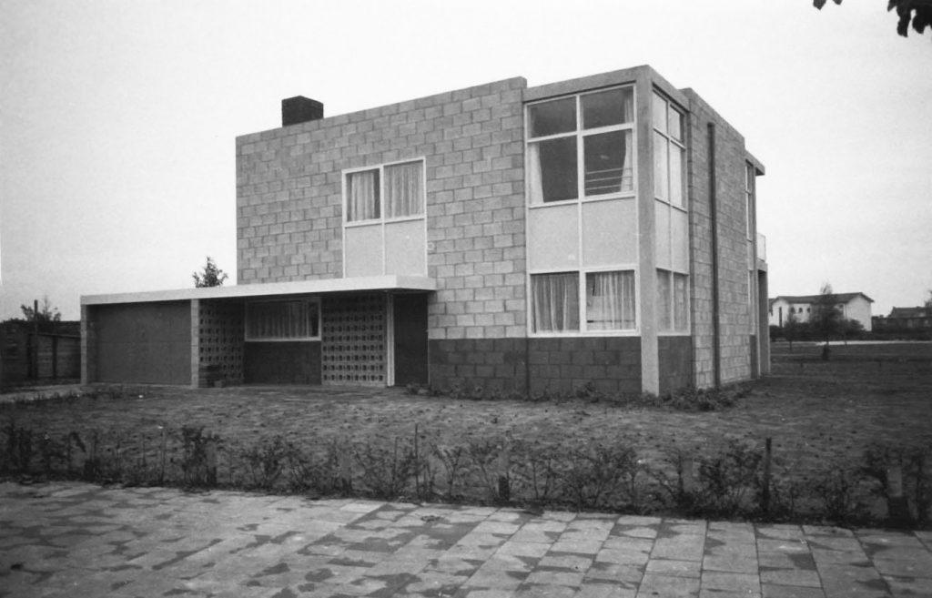 Het huis na oplevering in 1959 (fotograaf onbekend)