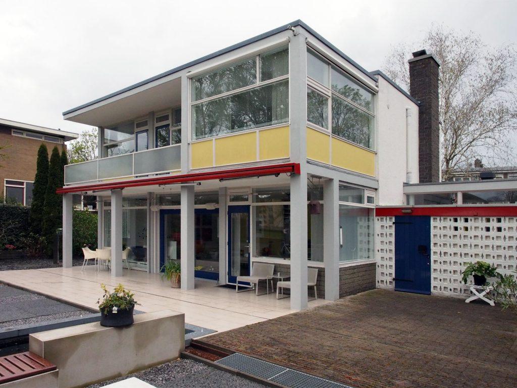 De woning aan de tuinzijde in 2016 (Arjan den Boer)
