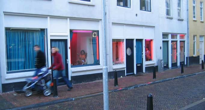 Bezwaar tegen verbouwing panden Hardebollenstraat afgewezen: buurt vreest terugkeer prostitutie