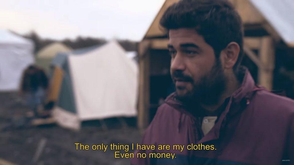 John Coffey geeft in indrukwekkende clip vluchtelingen een gezicht