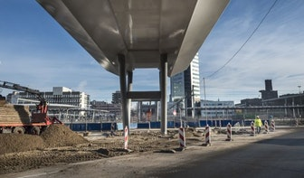 Dit weekend wordt eerste grote deel Moreelsebrug gelegd