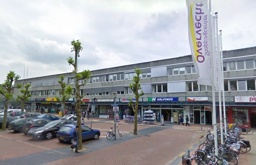 Arrestatie en 27 boetes bij handhavingsactie winkelcentra Overvecht