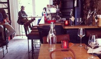 Jette & Jildou drinken koffie bij Talud9: Knipperkippenvel tussen de bakstenen
