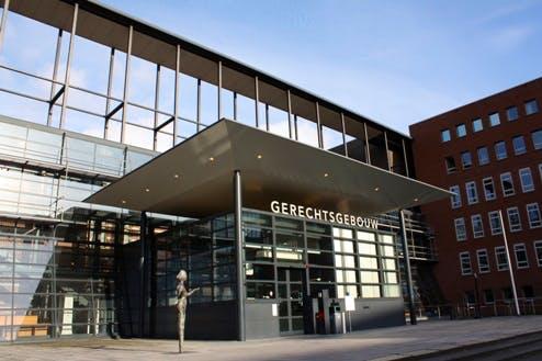 Utrechtse kleermaker krijgt taakstraf voor ongewenste intimiteiten bij militairen