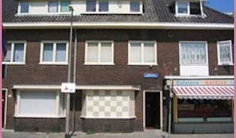 Inval FIOD in seksclub Jaffastraat wegens zwartgeld-circuit