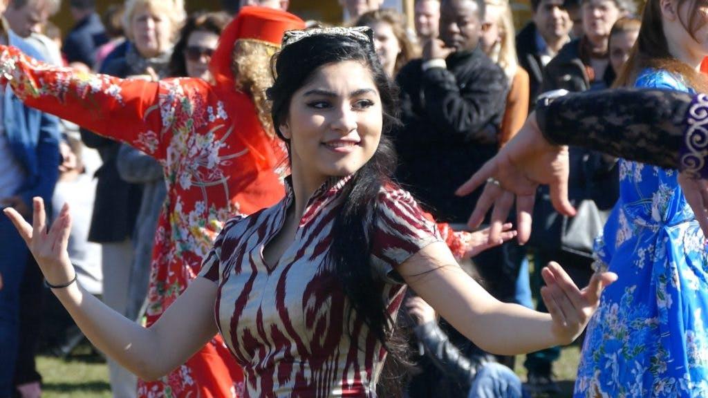 DUIC TV was bij Lentefeest Norooz in het Griftpark tijdens drukke Culturele Zondag