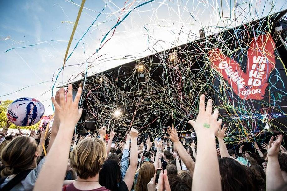 Foto's: 45.000 bezoekers op Bevrijdingsfestival park Transwijk