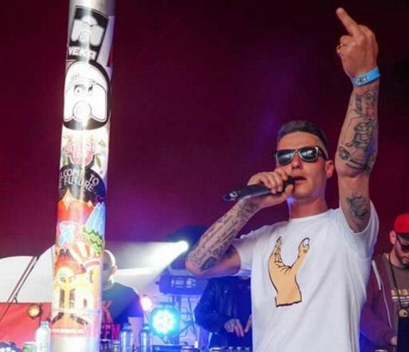 COC vindt het schandalig dat Steen mocht optreden op het Bevrijdingsfestival Utrecht