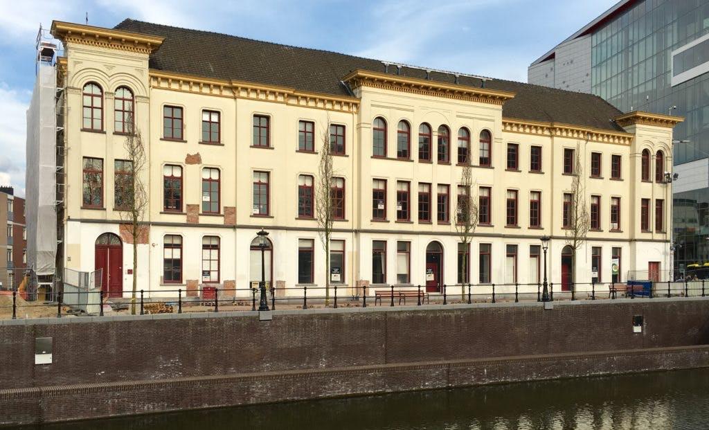 Nieuwe stadsbrasserie en bar aan de singel in oud Staffhorst-pand