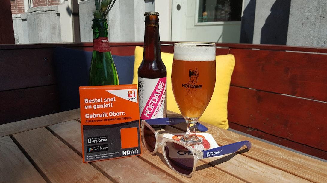 Utrechtse app laat je drinken en eten bestellen aan de bar