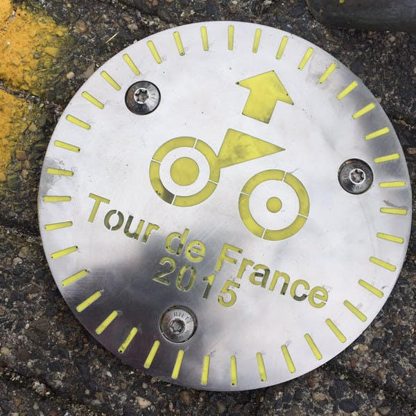 Tijdrit Tour de France jaar na dato vastgepind op wegdek