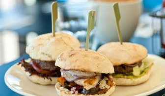 Donderdag gratis hamburgers op de Neude