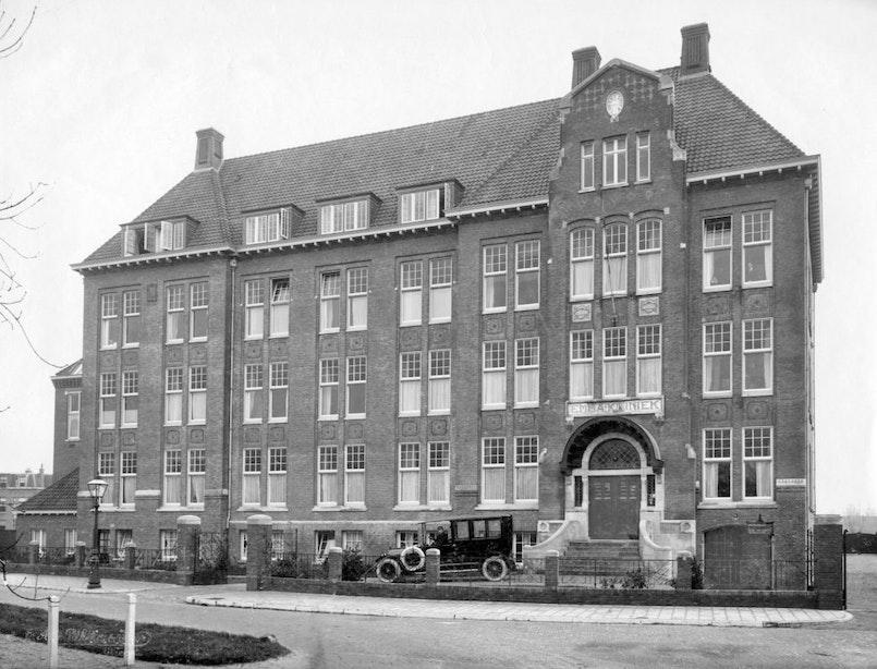 Verdwenen gebouwen: De chique Emmakliniek aan het Wilhelminapark
