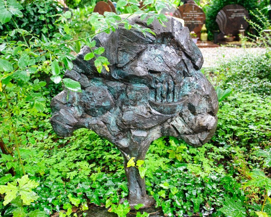 De geheimen van Sint Barbara; Een boom in brons