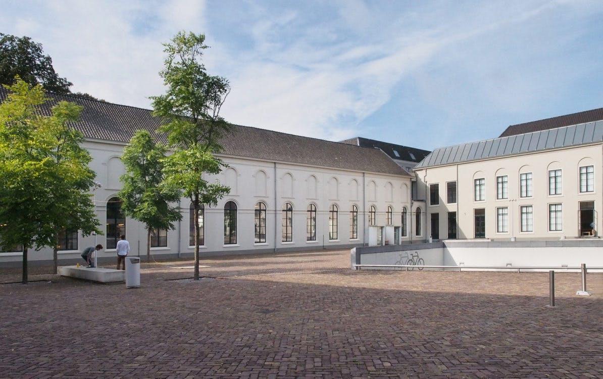 Universiteitsbibliotheek Binnenstad: een koninklijk boekenpaleis
