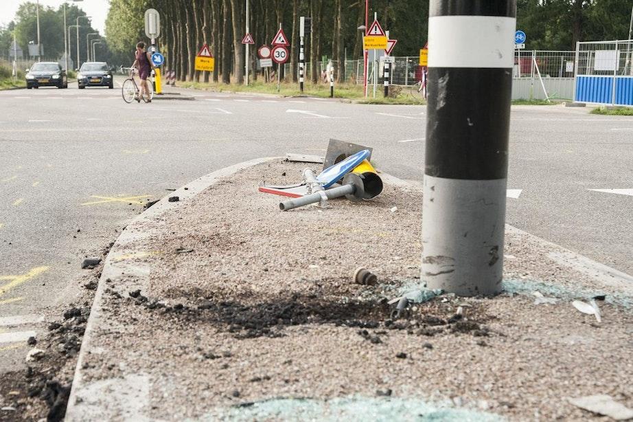 Auto die crashte op Uithof reed te hard en door rood